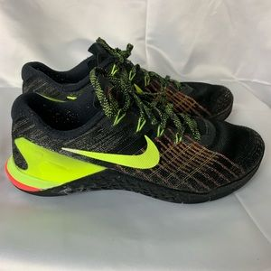 Men's Nike Metcon 3 Size 8  Black/Volt/Hyper